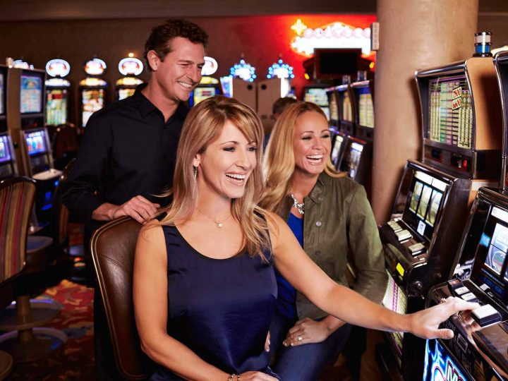 How to play online casino without deposit money on it?